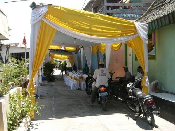 Indonesian wedding: preparations